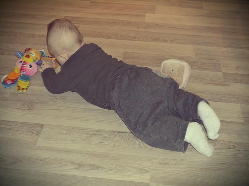 søvn baby seks måneder
